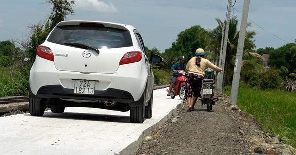 Đường nông thôn mới xe không thể tránh nhau: Khẩn trương mở rộng đường