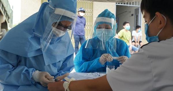 Ứng phó dịch Covid-19 nguy cơ lan rộng, Việt Nam lần đầu áp dụng gộp mẫu xét nghiệm SARS-CoV-2