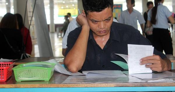Công nhân chật vật tìm việc làm mới