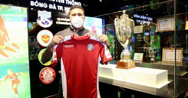 CLB TP HCM ra mắt cặp tiền đạo khoác áo tuyển Costa Rica trị giá 1 triệu USD