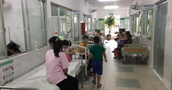 TP HCM: Tìm hiểu nguyên nhân nhiều học sinh nhập viện nghi do ngộ độc thực phẩm