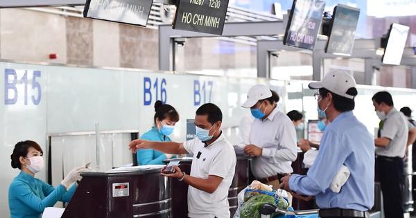 Chọn ngẫu nhiên hành khách bay từ Hà Nội, Quảng Ninh, Hải Dương vào TP HCM lấy mẫu dịch họng