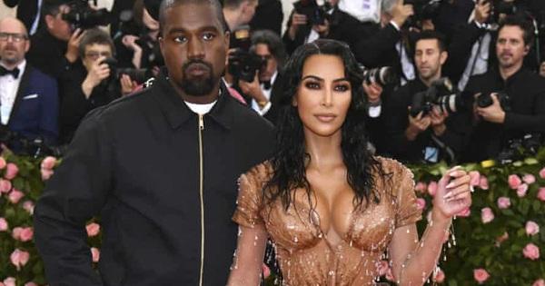 """Kim """"Siêu vòng ba"""" đệ đơn ly hôn Kanye West"""