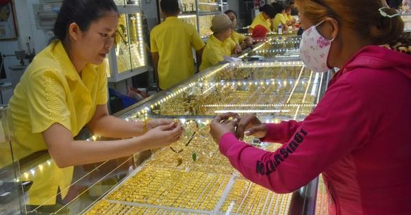 Giá vàng hôm nay 24-2: Đảo chiều đi xuống, dòng tiền bị dịch chuyển