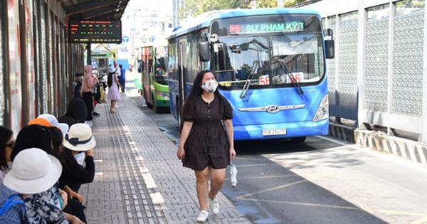 LẮNG NGHE NGƯỜI DÂN HIẾN KẾ: Vài giải pháp cho xe buýt