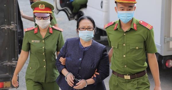 Hình ảnh đầu tiên của nữ đại gia và ông Nguyễn Thành Tài tại TAND TP HCM