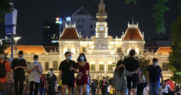 Lắng nghe người dân hiến kế: Phát triển phố đi bộ theo hướng hiện đại, văn minh