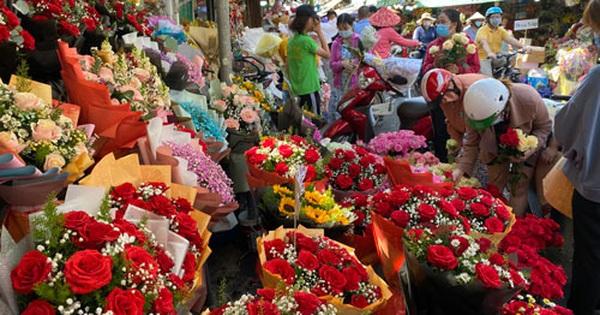 Giá hoa hồng tăng mạnh dịp 8-3