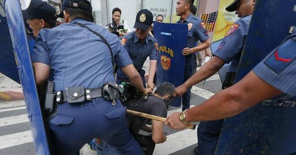 """Cảnh sát Philippines """"giết nhầm"""" thị trưởng và 2 trợ lý"""