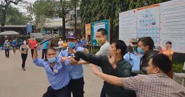 Bảo vệ đánh người nhà bệnh nhân khi mâu thuẫn nhắc đeo khẩu trang