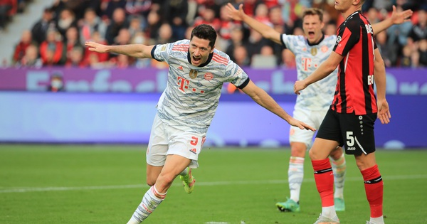Bayern Munich vượt qua Dortmund, soán ngôi đầu bảng Bundesliga