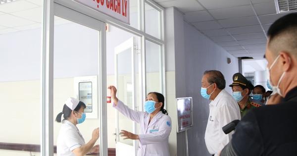 Phó Thủ tướng thường trực Trương Hòa Bình yêu cầu không lơ là trong chống dịch Covid-19
