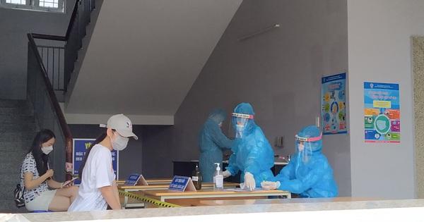 Người từ các địa phương trở lại TP HCM sau nghỉ lễ phải khai báo y tế với nơi làm việc