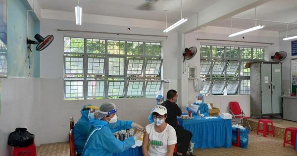 TP HCM: Xét nghiệm 327.206 người vùng cam, đỏ, 1,1% dương tính