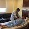 Tự điều trị đau bụng, người đàn ông suýt chết