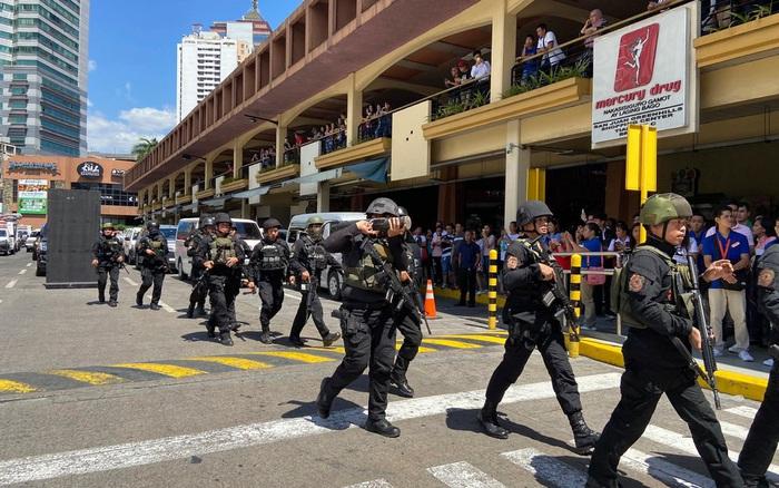 Mất việc, nổ súng bắt giữ hàng loạt con tin - Báo Người lao động